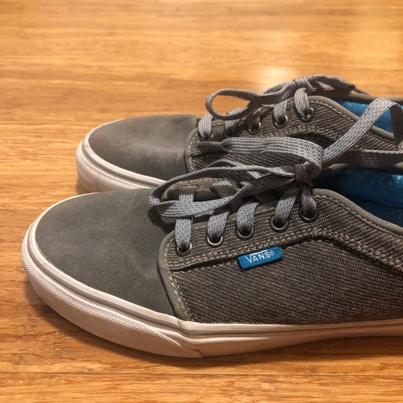 Gray suede & corduroy Vans skate shoes. Men's sz 8